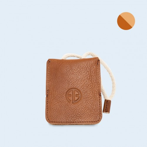 Leather key case - SLOW Key cognac/camel