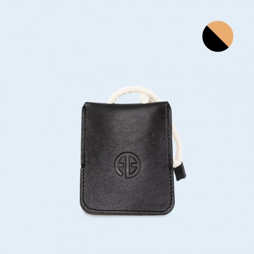 Leather key case - SLOW Key black/camel